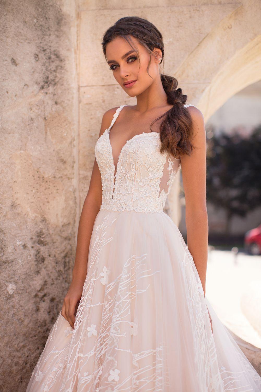 Liretta Brutte kāzu kleitas