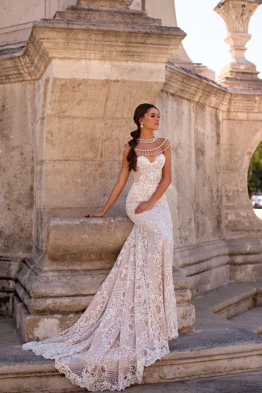 Liretta Sumatra kāzu kleitas