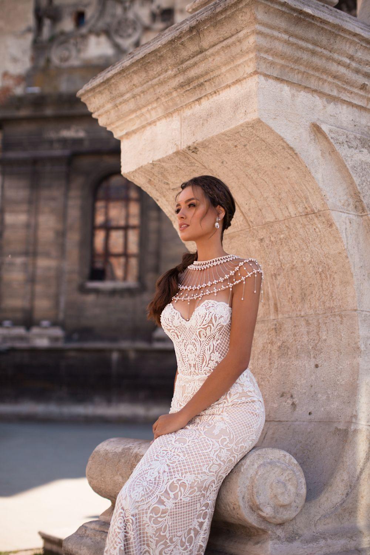 Liretta Sumatra kāzu kleita