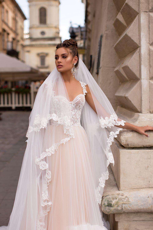 Liretta Comum kāzu kleita
