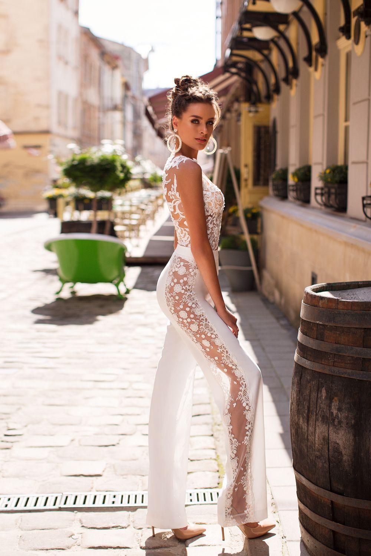 Liretta Caturra kāzu kleitas