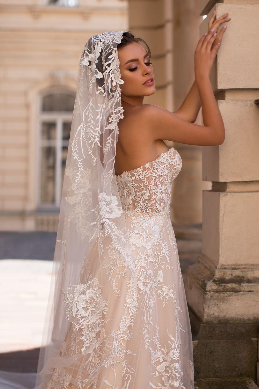 Liretta Arabica kāzu kleitas