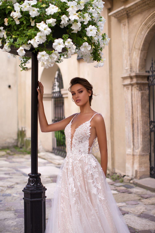 Liretta Liberica kāzu kleitas