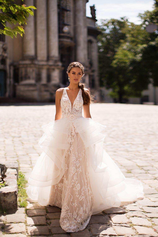 Liretta Excelsa kāzu kleitas